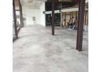 Manutenção de piso de cimento queimado