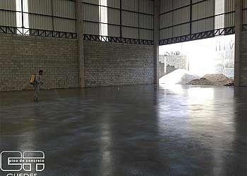 Piso de concreto novo