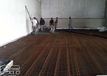 Piso industrial de concreto armado