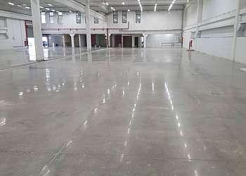 Polimento de piso de concreto
