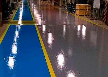 Tinta epoxi piso industrial